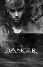 Danger(Μεταφραση.) by biebersinspire
