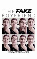 The Fake Boyfriend // l.r.h. [completed ✓] by hemmoxteenager