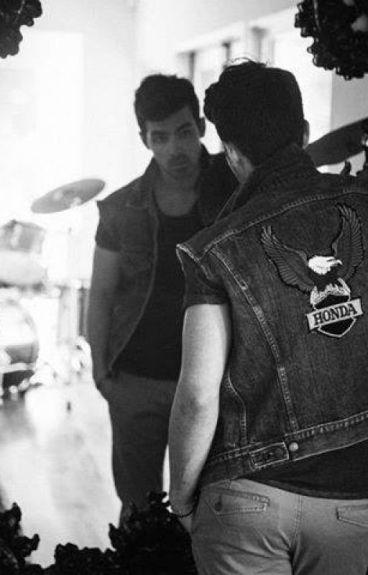 Sr. y sra Jonas (Joe Jonas & Tu)