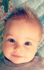Hemmo Baby 2 (Luke hemmings) by mikeybabexox