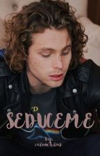 SEDUCEME- luke hemmings by calum-blink