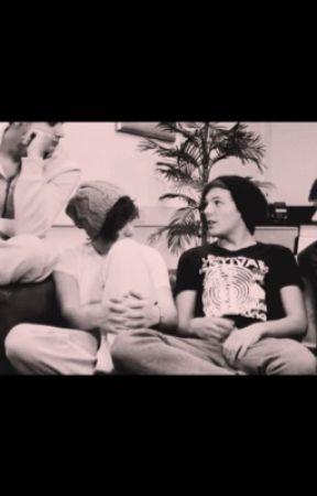 Larry Stylinson SickFics - Louis Stomach Flu - Wattpad