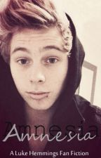 Amnesia || Luke Hemmings FF by xElli3