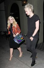 Mabigail - Michael Clifford + Abigail Breslin[Completed] by lukes-nutella