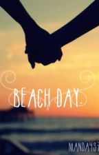 Beach Day. by mandaleaa