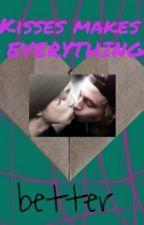Kisses make everything better : Lashton AU by Lashton_Cake_Malumer