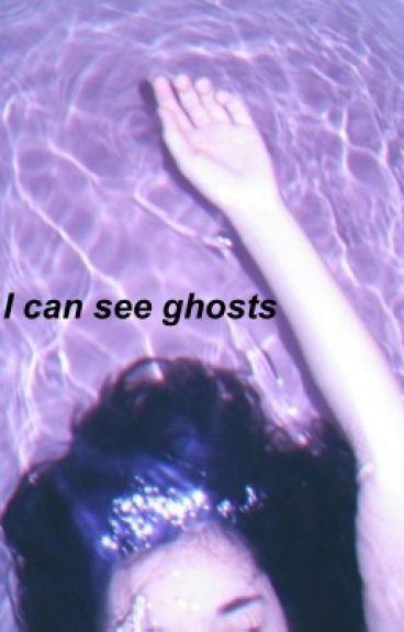 I can see ghosts(Baekhyun fanfic)