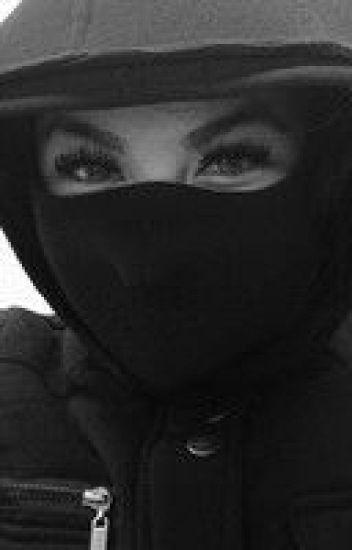 Ines, le fantôme noir de la citée