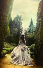 A rainha perdida. by AmandaNasc_