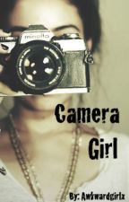 Camera girl(ON HOLD) by Awkwardgirlx