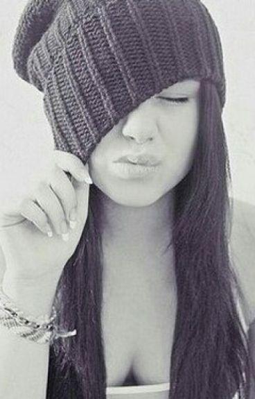 фото красивых девушек в шапке найк #4