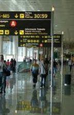 En la puerta del aeropuerto, bajé mi maleta by Sexygyal