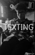 TEXTING » calum hood by FANFIC_AF