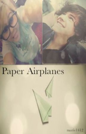 Paper Airplanes(ON HOLD) by marie1412