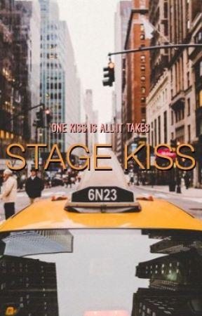 Stage Kiss by Roxsas14