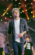 Hands of Love (Niall y Tu) by AngieHoran414