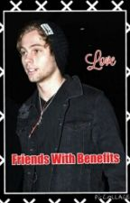 friends with benefits/luke hemmings by emily5soss