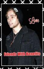 friends with benefits/luke hemmings by emily5soss