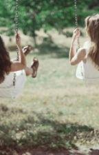 Amigas de infancia (camren) by Heloiza_Camren
