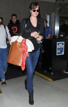 How to wear straight leg jeans in celeb style by maternityjeans