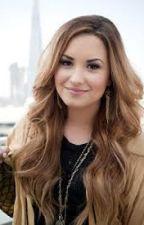 Facts about Demi Lovato by vikuwa123