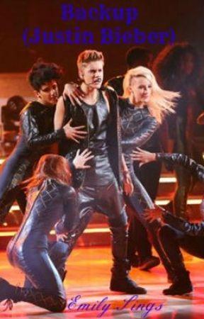 Justin Bieber dating backup danser