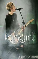 Fangirl / Luke Hemmings by Yoongixa