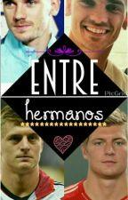 Entre hermanos.  by ElisabethPM
