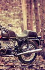 La chica de la moto by yaninagallardo