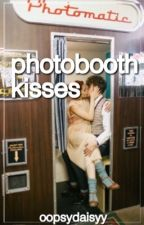 Photo Booth Kisses #Wattys2015 by oopsydaisyy