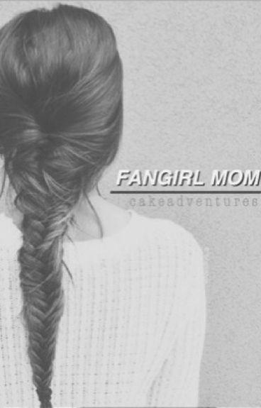 Fangirl Mom • Calum Hood (COMPLETED)