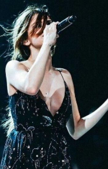 -Selena Gomez-