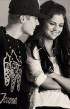 La mia vita sei tu!!• (Justin Bieber e Selena Gomez) by mikylove02