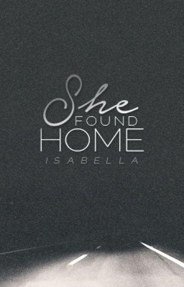 She Found Home {GxG}
