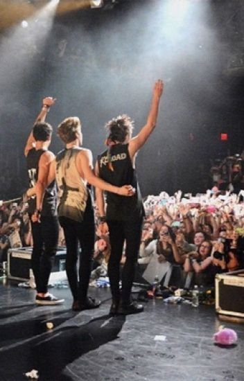 On Tour With 5SOS