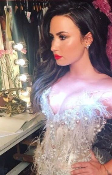 Demi Lovato Imagines (Lesbian Stories)