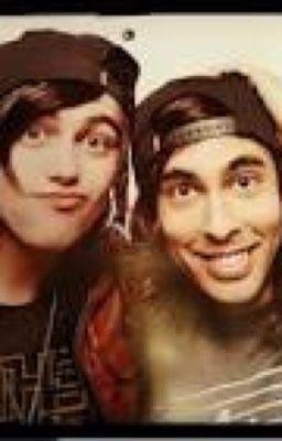Services dating kellin and vic