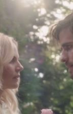 Fixing wounds ( Captain swan ) AU by SwansStarbucks