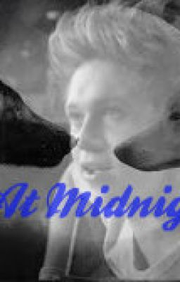 At Midnight ( Niall Horan Werewolf Fanfic)