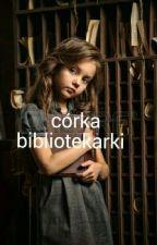 Córka bibliotekarki by kifosia
