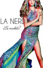 [La nerd modelo] by ExtraordinaryGirl3