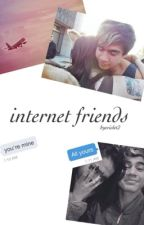Internet Friends - Calum Hood by ByeViolet2