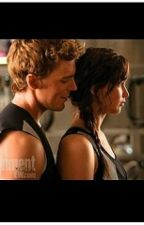 Katniss y Finnick by LibrosIsMyLife