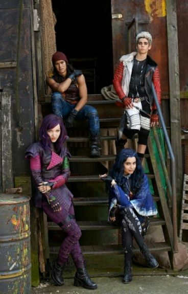 Descendants the new witch doctor (Carlos × Reader)