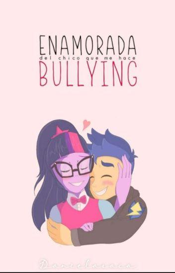 Enamorada del chico que me hace bullying