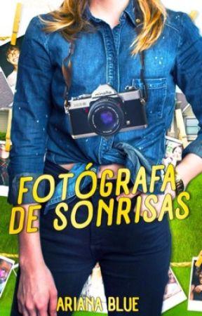 Fotógrafa de Sonrisas. by Ari-Blue