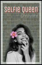 Selfie Queen by Goofystar