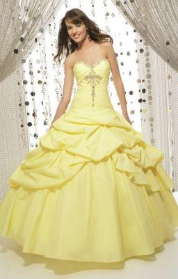 Lucy's Dress by lilmaria