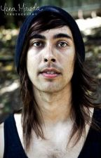 Hold on 'Till May (Vic Fuentes fan fic) by ptv_inactive