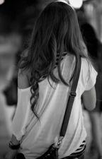 Uma garota diferente by MonisyMartins